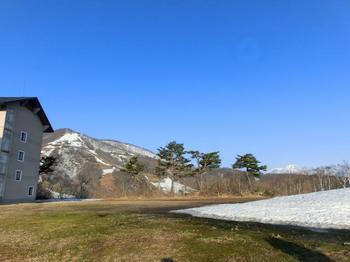 5-03右、妙高山.JPG